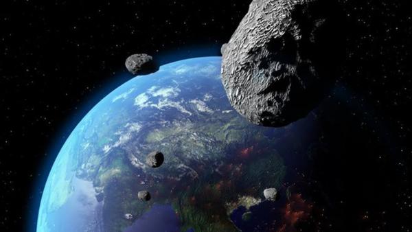 Stephen Hawking cảnh báo: 'Loài người cần phải di tản khỏi Trái Đất trước khi bị hủy diệt bởi chiến tranh hạt nhân và biến đổi khí hậu'