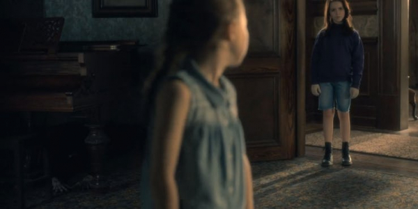 70% người xem tua lại 'The Haunting of Hill House' để soi những con ma ẩn núp trong từng khung hình