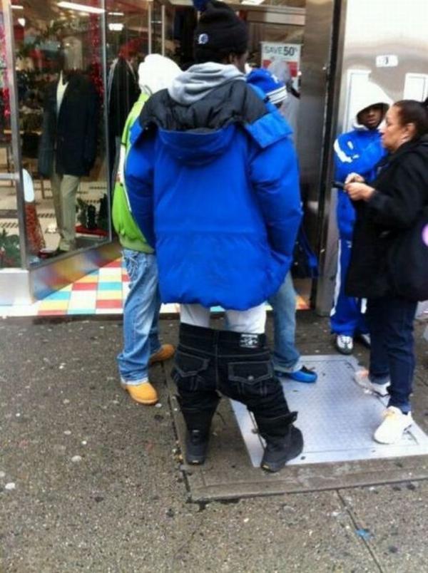 Những trang phục cần phải được cảnh sát thời trang... tuýt còi ngay lập tức