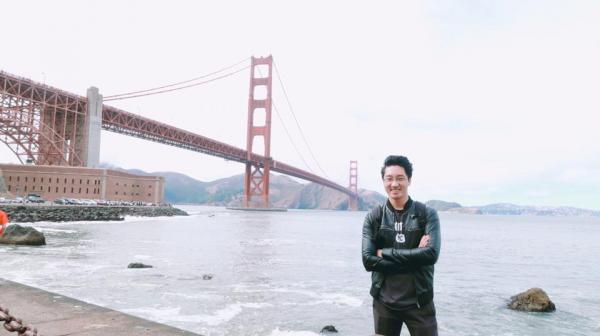 Hình ảnh đời thường vui nhộn của Nguyễn Việt Hùng - 'Giáo sư Pokémon' có niềm đam mê với vi khuẩn