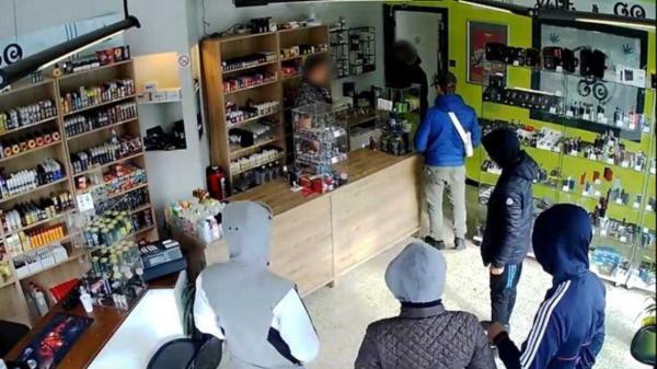 Nhóm cướp ở Bỉ bị tóm gọn vì nhẹ dạ tin lời chủ cửa hàng hẹn quay lại... cướp sau