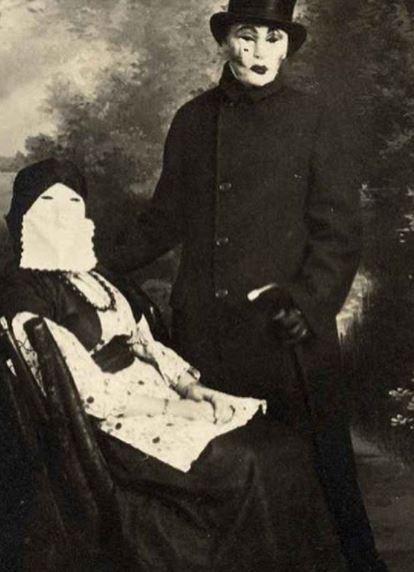 Rợn người với bộ sưu tập ảnh Halloween trắng đen những năm đầu thế kỉ 20