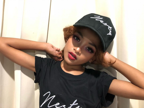 Ngả mũ trước thần thái và khả năng make-up chuyên nghiệp của cậu bé 12 tuổi