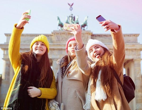 Instagram đã khiến phụ nữ trẻ thiếu tự tin về chính bản thân họ như thế nào?