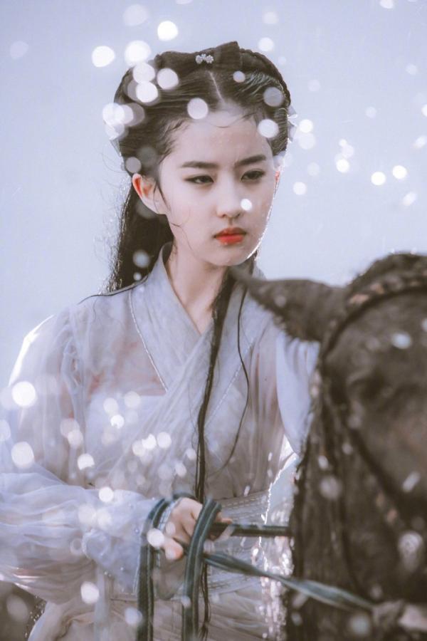 Những huyền thoại về Kim Dung: Giúp nửa làng giải trí Trung Quốc nổi tiếng, 1500 nhân vật được tạo ra