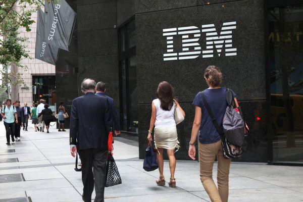 Không cần tốt nghiệp đại học vẫn có thể ứng tuyển tại Google, Apple và 12 công ty khác