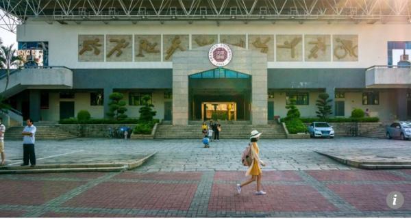 Ác mộng có thật: Trường đại học gửi bảng điểm thẳng đến tay phụ huynh