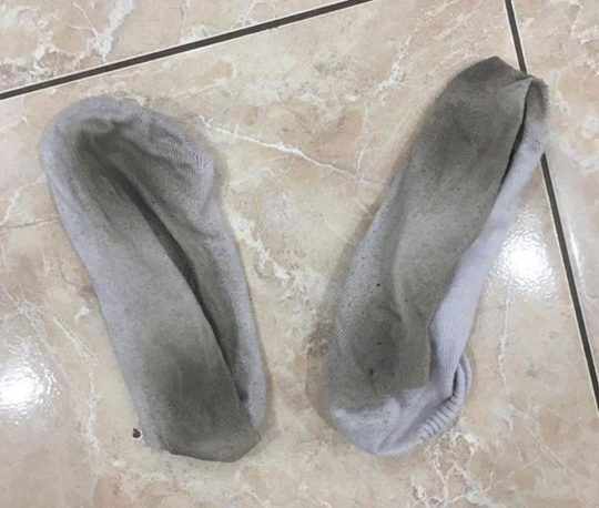 Người phụ nữ kiếm hơn 3 tỷ một năm nhờ bán tất thối, giày cũ cho người 'cuồng chân'