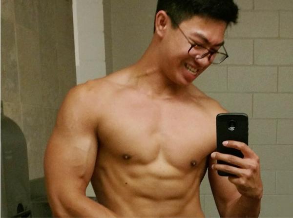 Cậu sinh viên gốc Việt nổi tiếng nhờ quyết tâm có thân hình 6 múi sau khi bị bạn bè trêu chọc là quá gầy