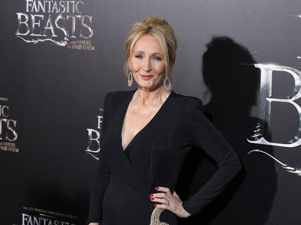 Tác giả 'Harry Potter' J. K. Rowling tiến hành khởi kiện trợ lý cũ