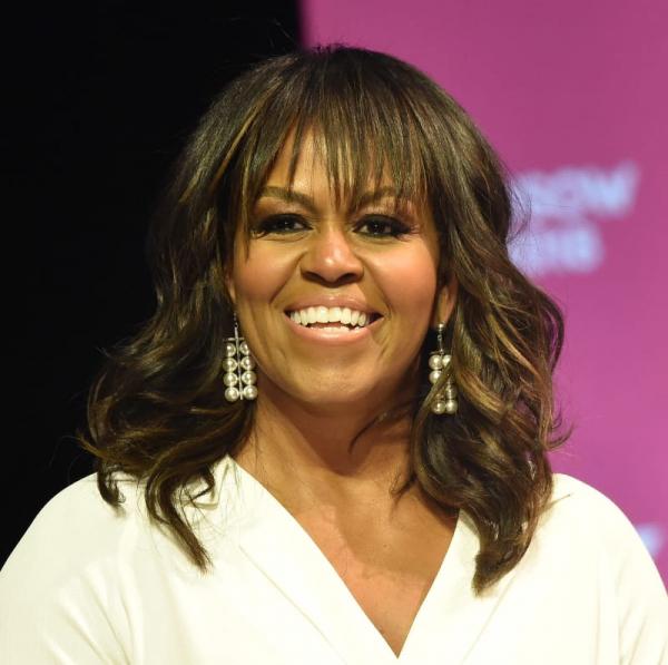 Cựu đệ nhất phu nhân Michelle Obama tiết lộ mình từng sảy thai và 2 cô con gái nhà Obama được thụ tinh trong ống nghiệm