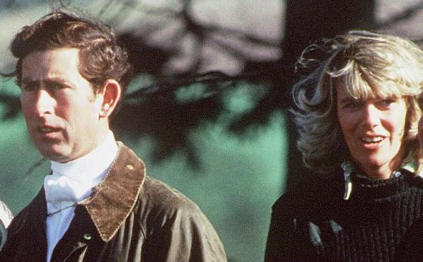 Thiên tình sử như phim của Thái tử Charles và Camilla: Chuyện gì đã xảy ra trong suốt năm thập kỷ?