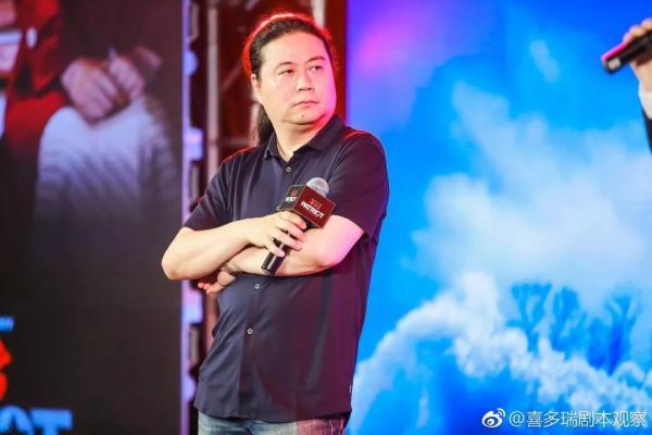 Biên kịch kỳ cựu Uông Hải Lâm: 'Địch Lệ Nhiệt Ba thèm khát sự nổi tiếng và ham giải thưởng ảo'