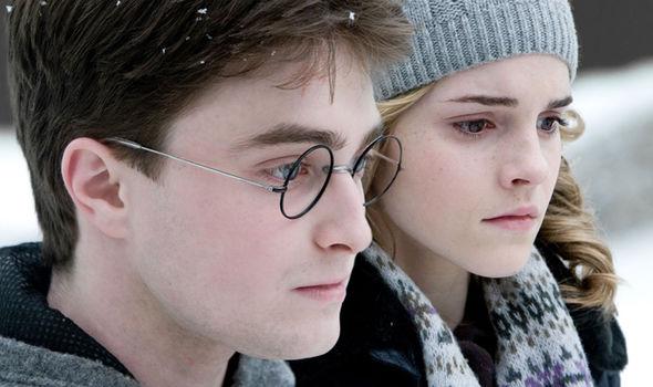 'Sinh Vật Huyền Bí: Tội Ác Của Grindelwald' sẽ liên kết với 'Harry Potter' theo cách nào?
