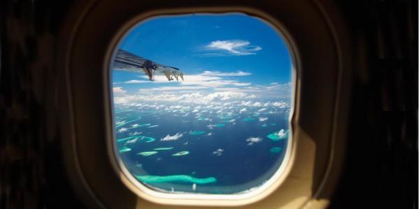 Hành khách đòi ngồi gần cửa sổ nhưng máy bay hết chỗ, tiếp viên liền 'bá đạo' đáp ứng