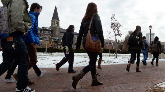 'Anh có còn thích nước Mỹ không?': Du học sinh quốc tế đến Mỹ giảm do lo sợ chính trị bất ổn