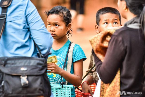Những điều bạn chưa biết về cuộc đời của cậu bé Campuchia nói được hơn 10 thứ tiếng