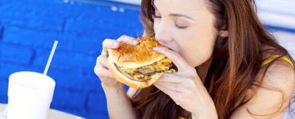 Vì sao ăn nhanh là con đường ngắn nhất dẫn đến tăng cân thừa mỡ?
