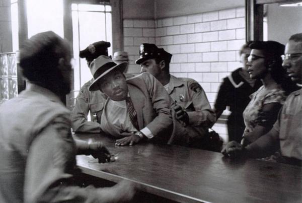 Nạn phân biệt chủng tộc: Sau hàng chục năm xem lại ảnh vẫn thấy kinh hoàng