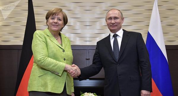 '50 sắc thái cầu vồng' của thủ tướng Đức: Đằng sau gu thời trang kì dị là cả một bộ óc thiên tài