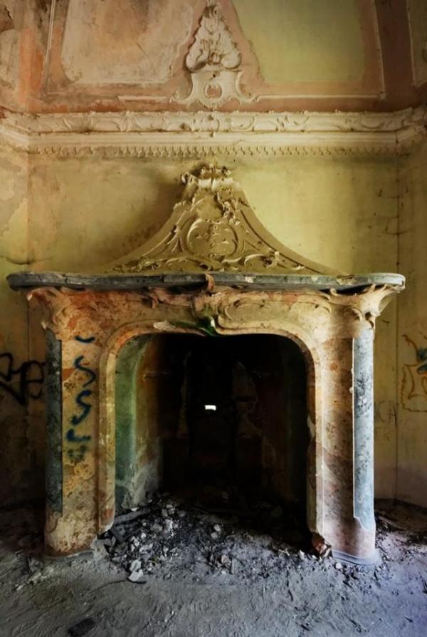 Nhà Đỏ: Căn biệt thự ma ám rùng rợn nhất nước Ý, nơi diễn ra các vụ thảm sát và nghi lễ Satan bí ẩn