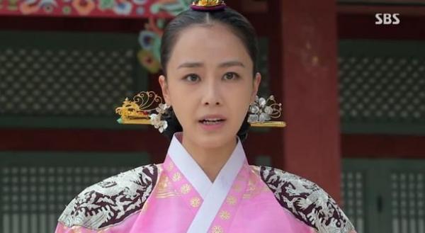 Cuộc đời nhiều thăng trầm của người phụ nữ khét tiếng nhất lịch sử Hàn Quốc