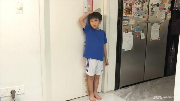 Phụ huynh Singapore tiêm hormone vào người con mình để giúp chúng cải thiện chiều cao