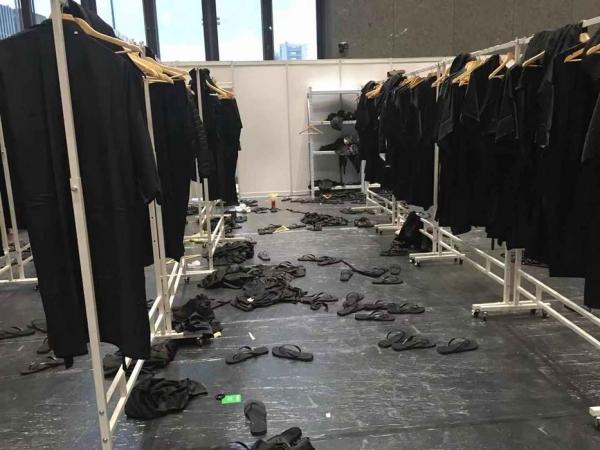 'Tôi đã chứng kiến show diễn của Dolce & Gabbana tại Trung Quốc sụp đổ từ bên trong như thế nào'