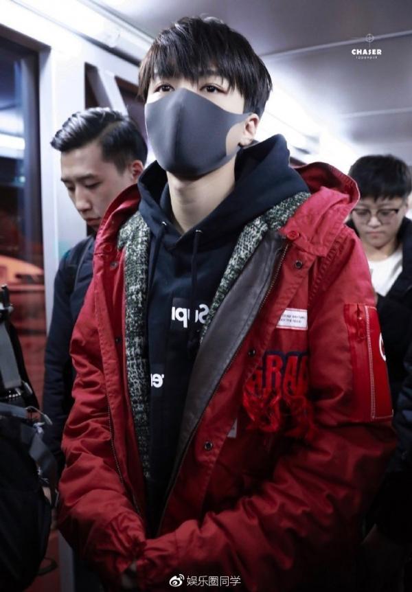 Scandal thái độ của Vương Tuấn Khải với người lớn ở sân bay: Là vô lễ hay cách bảo vệ fans văn minh?
