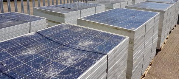 Pin mặt trời: Năng lượng sạch hay lượng rác thải khổng lồ?