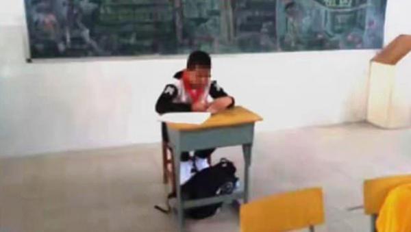 Học sinh tiểu học bị cách ly vì cô giáo sợ bệnh ung thư của cậu có thể lây nhiễm cho người khác