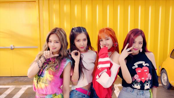 'Idol A và những người bạn' - nước đi sai lầm của các công ty giải trí Hàn Quốc