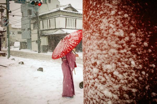 Có một Nhật Bản thường ngày thật lạ qua ống kính của nhiếp ảnh gia Shin Noguchi