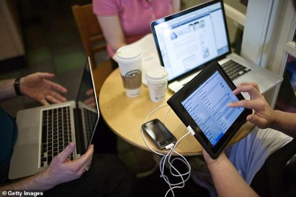 Đỉnh cao thù vặt: Hãy xem cách YouPorn 'trả đũa' khi Starbucks cấm khách xem nội dung 18+?