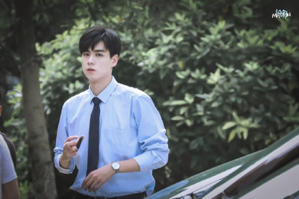'Giang Thần' Hồ Nhất Thiên đẹp quên lối về trên phim trường 'Thầm Yêu Quất Sinh Hoài Nam'