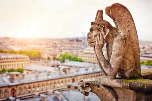 Những câu chuyện kỳ quái đằng sau những tượng đài nổi tiếng của Nhà thờ Đức Bà Paris