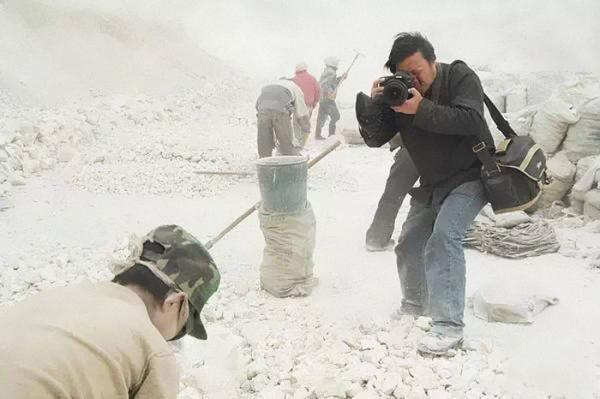 Phóng viên mất tích bí ẩn, để lại 21 bức ảnh về xã hội Trung Quốc khiến nhiều người chết lặng