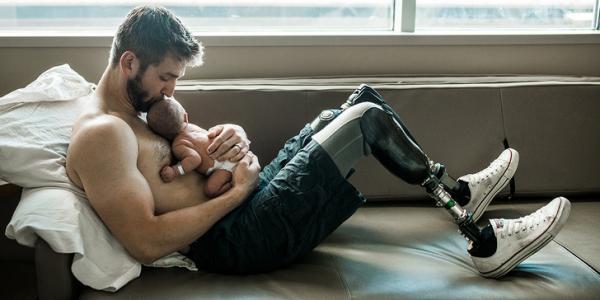 14 bức ảnh chứng minh người bố đáng yêu của chúng ta chính là siêu anh hùng thực thụ