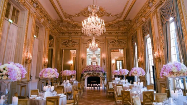 Có gì trong đêm hội Le Bal - nơi chỉ 25 con nhà giàu danh giá bậc nhất thế giới mới được tham gia