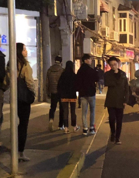 Vừa bị bắt gặp đi mua nhà, Trịnh Sảng - Trương Hằng liền lộ giấy chứng nhận kết hôn ở Thượng Hải