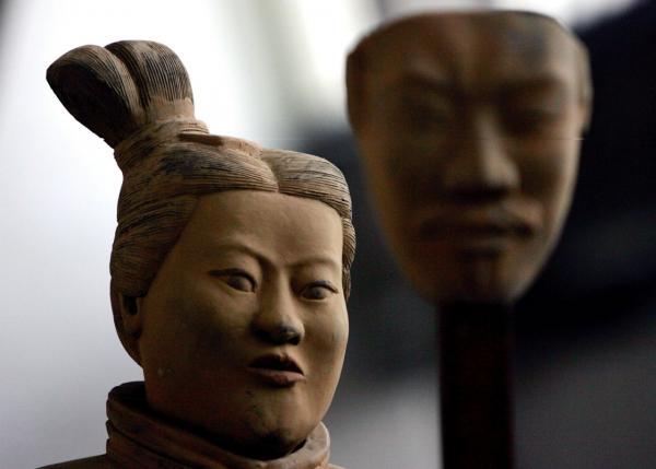Những điều hoang đường mà các bé gái Trung Quốc được dạy trong lớp học 'tiết hạnh'