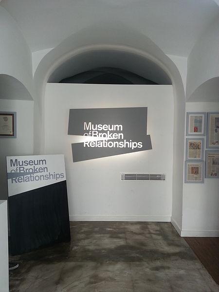 Bảo tàng trưng bày kỷ vật những tình yêu tan vỡ và câu chuyện nhói lòng đằng sau đó