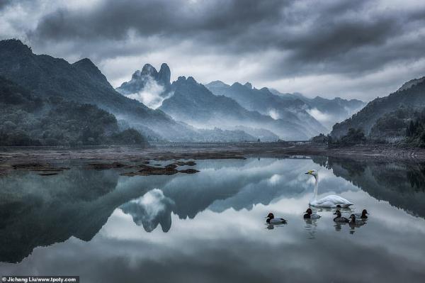 Những bức ảnh đoạt giải 'Travel Photographer of the Year': Đây là một thế giới mà ta chưa từng biết