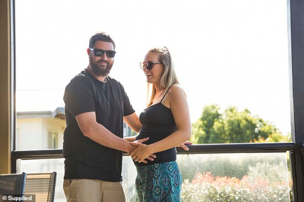 Duyên phận là có thật: Cặp vợ chồng đã từng bên cạnh nhau khi còn là trẻ sơ sinh