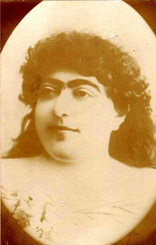 Chuyện về công chúa Qajar: Biểu tượng sắc đẹp của Ba Tư từng khiến 13 gã đàn ông si tình tự tử
