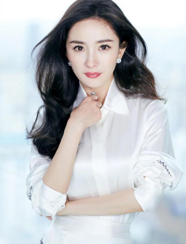 BXH giá trị thương mại 2018: Dương Mịch - Nhiệt Ba tranh ngôi nữ hoàng, Phạm Băng Băng mất hút
