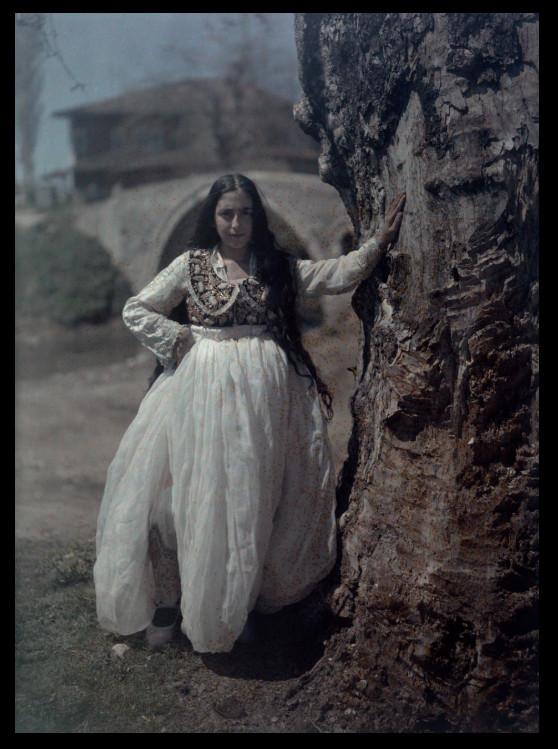 Những bức ảnh xưa với nước màu tuyệt đẹp về phụ nữ