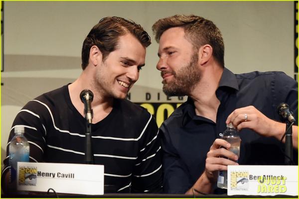 Nam giới trẻ tuổi cảm thấy thỏa mãn với tình anh em 'bromance' hơn là tình yêu nam nữ