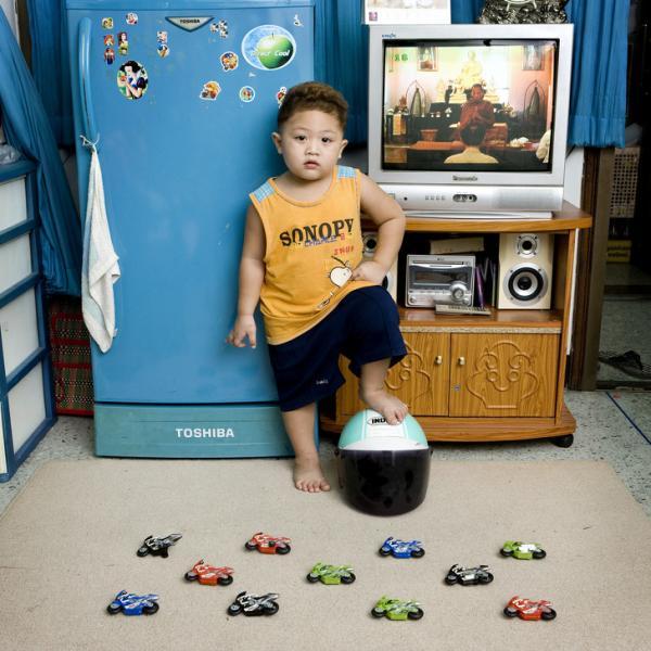 Sự khác biệt đáng suy ngẫm về đồ chơi của trẻ em trên toàn thế giới