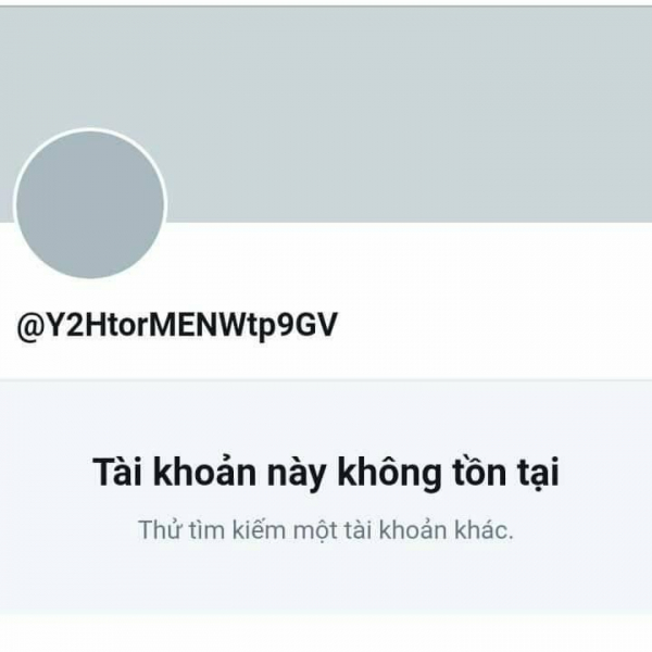 Baekhyun đáp trả cực gắt khi bắt quả tang fan cuồng bán thông tin của EXO trên Twitter